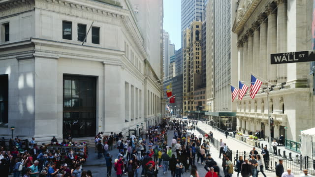 vídeos de stock, filmes e b-roll de new york stock exchange, broad street, new york, usa - wall street