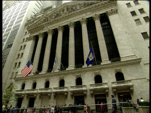 new york stock exchange exteriors - new york stock exchange stock videos & royalty-free footage