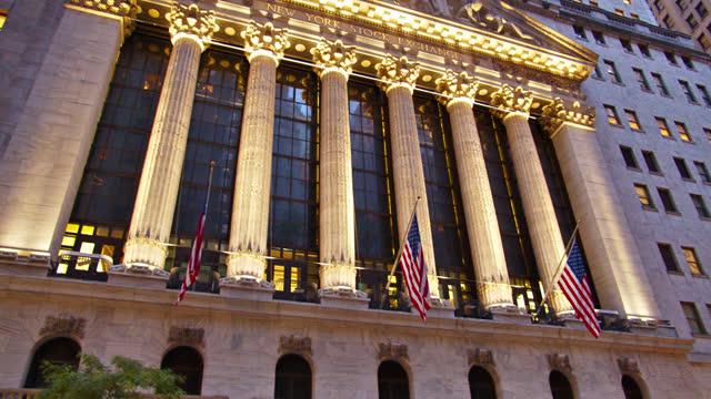 new york stock exchange - manhattan financial district stock videos & royalty-free footage