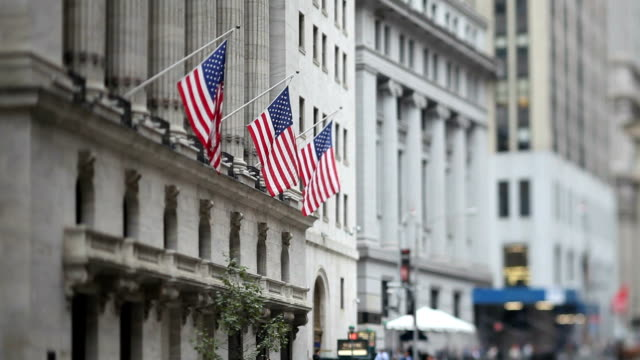 vidéos et rushes de bourse de new york (tilt shift objectif - bourse de new york