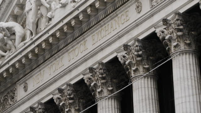 New York Stock Exchange - Wall Street - establishing shot - exterior - New York City - Summer 2016 - 4k