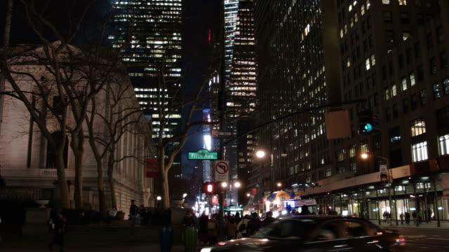 New York straat 's nachts