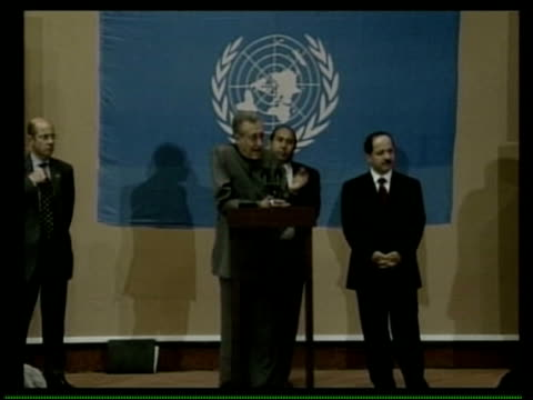 stockvideo's en b-roll-footage met un hq ms brahimi at podium - najaf
