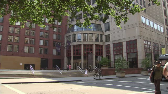 ws, new york university campus building, manhattan, new york city, new york, usa - new york university stock videos & royalty-free footage