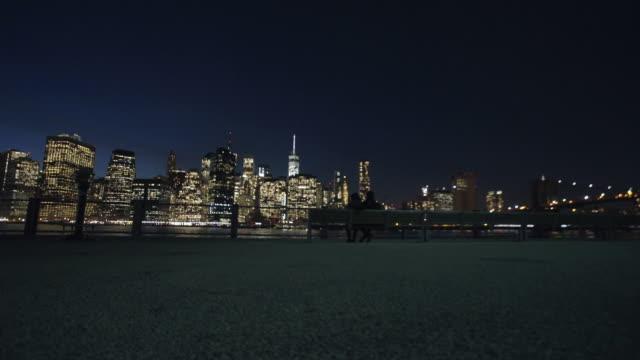 vidéos et rushes de new york - banc