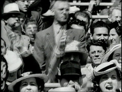 new york yankees player babe ruth strikes out during a baseball game. - ニューヨーク・ヤンキース点の映像素材/bロール
