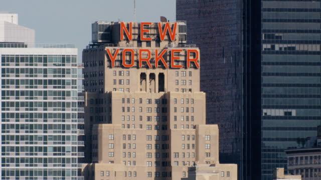 vídeos y material grabado en eventos de stock de ms new yorker sign taken from weehawken  / new york city, new york state, usa - sign
