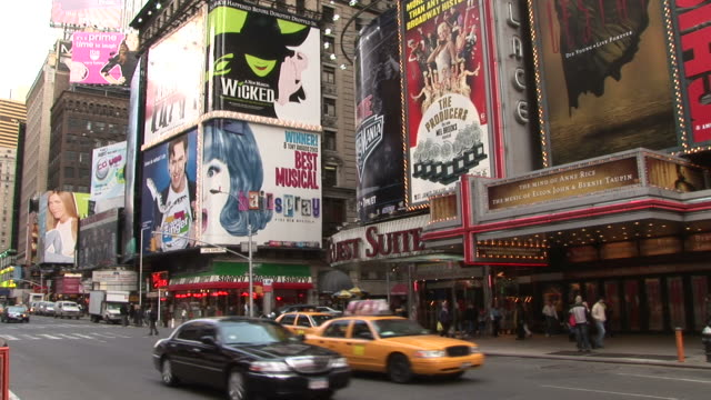 new yorkview of times square in new york united states - ブロードウェイ点の映像素材/bロール