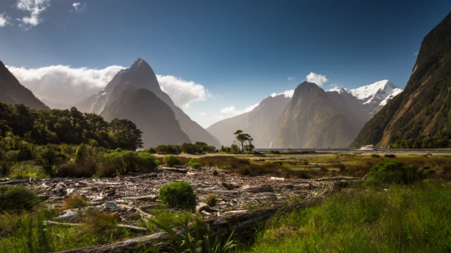 ZEITRAFFER: New Zealand Milford Sound
