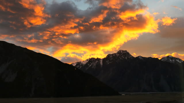 new zealand mt cook dawn - new zealand southern alps stock videos & royalty-free footage