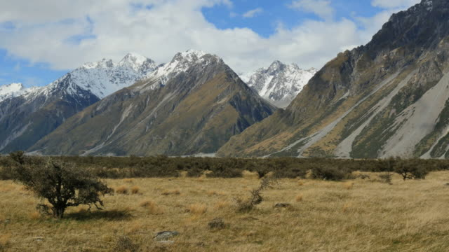 new zealand mt cook national park view - new zealand点の映像素材/bロール