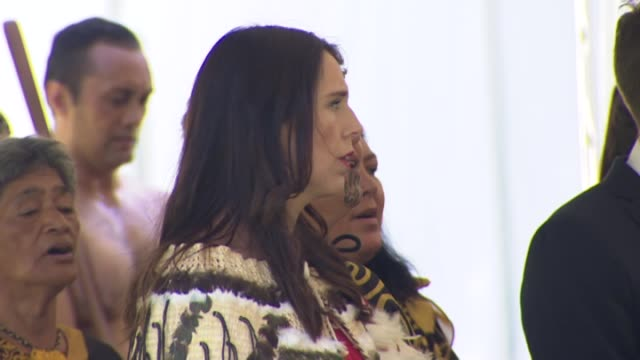 new zealand prime minister jacinda ardern singing in te reo maori language during maori welcome for former united states president barack obama at... - traditional ceremony stock videos & royalty-free footage