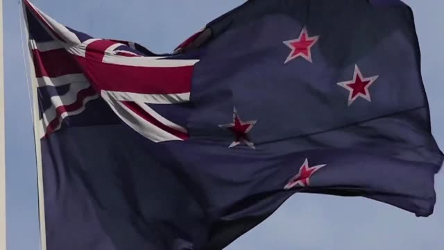 vídeos de stock, filmes e b-roll de new zealanders begin voting to select a potential new flag as the south pacific country considers dropping britains union jack from its national... - oceano pacífico do sul