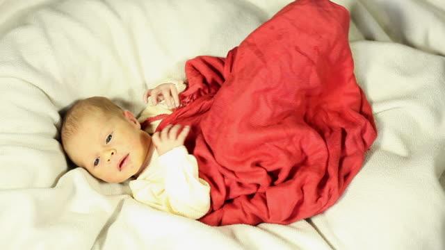 newborn baby - erschöpfung stock videos and b-roll footage