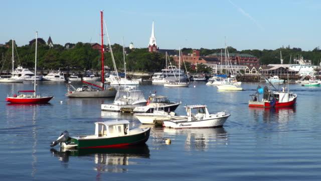 ニューベリー ポートは、マサチューセッツ州メリマック川沿い - ニューバリー点の映像素材/bロール