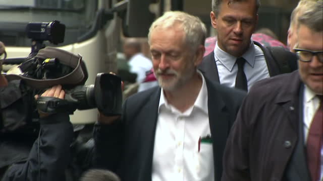 stockvideo's en b-roll-footage met newly elected labour party leader jeremy corbyn has unveiled the full details of his shadow cabinet which he's described as unifying dynamic and... - labor partij