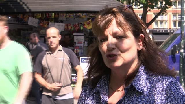News kiosk on Sloane Square recognised as London's oldest stand ENGLAND London Sloane Square EXT SarahJane Bailey Cartwright interview SOT Doritos...