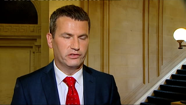 andy coulson arrested westminster mark lewis interview sot murdoch got rid of the wrong red top he should have got rid of rebekah brooks she should... - レベッカ ブルックス点の映像素材/bロール