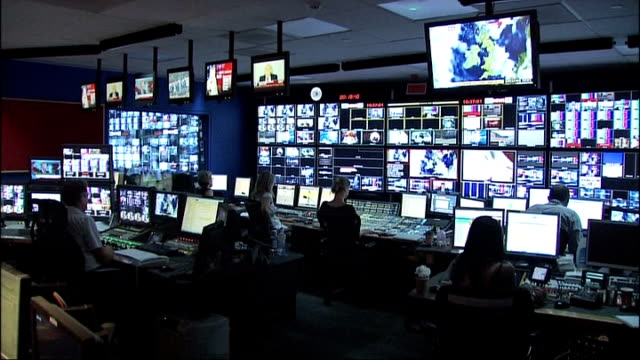further allegations emerge r08020719 london int various shots of sky television control room or gallery with television monitors showing different... - テレビ番組点の映像素材/bロール