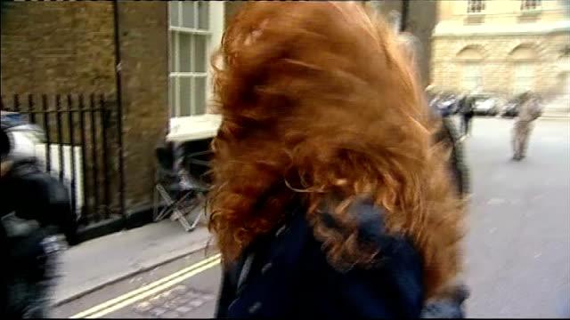 rupert murdoch arrives in london england london photography * * rupert murdoch towards through press scrum next rebekah brooks as murdoch says we are... - 盗聴点の映像素材/bロール