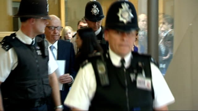 the murdochs and rebekah brooks give evidence to select committee england london portcullis house int rupert murdoch arriving with son james murdoch... - レベッカ ブルックス点の映像素材/bロール