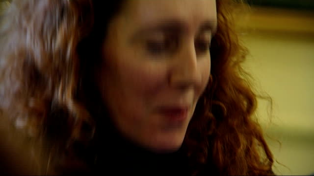 latest developments lib downing street int rebekah brooks at number 10 event - レベッカ ブルックス点の映像素材/bロール