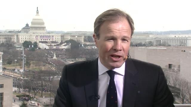 vídeos de stock e filmes b-roll de inauguration of president donald trump washington dc tom bradby to camera sot - tom bradby