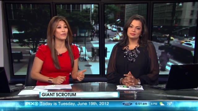 vídeos de stock, filmes e b-roll de news team talks about man with 100 pound scrotum on june 19 2012 in new york new york - apresentador de noticiário