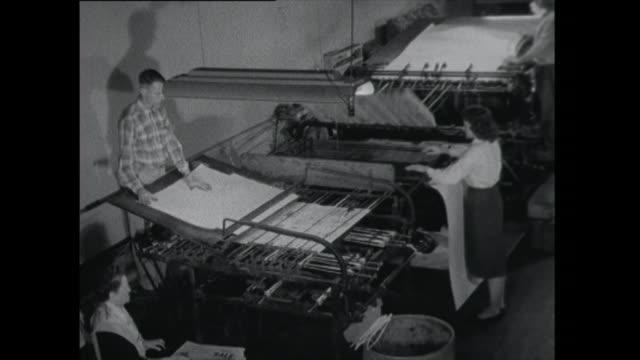 vídeos y material grabado en eventos de stock de newspaper printing press - periodismo