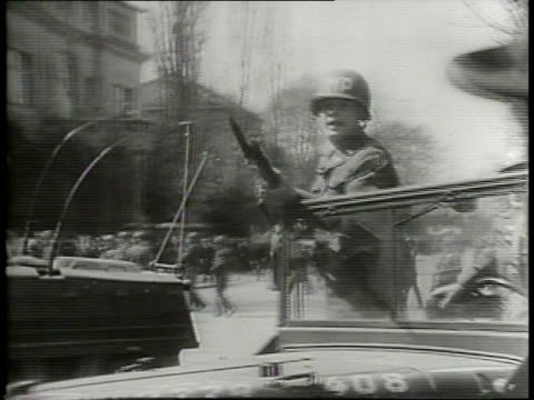 vídeos de stock e filmes b-roll de first pictures riot in munich dp's stage antirussian demonstration / displaced europeans start anticommunist protest that turns into riot at... - anticomunismo