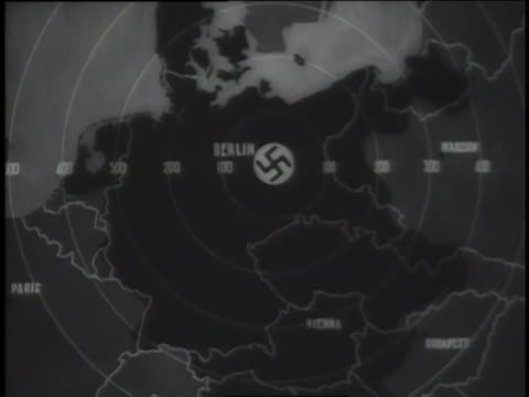 vídeos de stock, filmes e b-roll de a newsreel highlights allied forces surrounding the third reich during world war ii. - forças aliadas