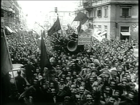 newsreel / king umberto ii of italy / very crowded streets of rome / rally of monarchists for umberto / and demonstrations for a new republic / - 1946 stock-videos und b-roll-filmmaterial