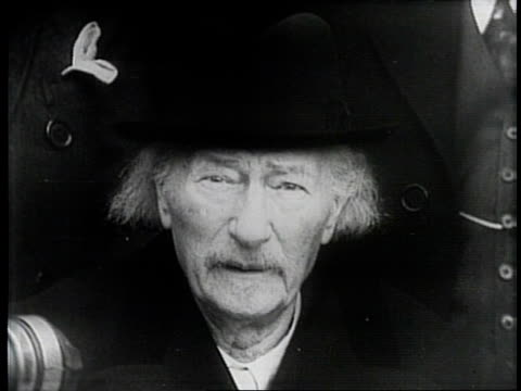 newsreel / narrated / paramount news / title card reads paderewski here to aid poles / ignacy jan paderewski visits poland and speaks about freedom... - narrating stock videos and b-roll footage