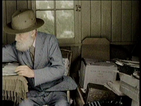 newsreel / no audio / george bernard shaw dies in 1950 / footage of shaw speaking to reporters in house / shaw speaking in microphone on ship deck /... - scriptwriter stock videos & royalty-free footage