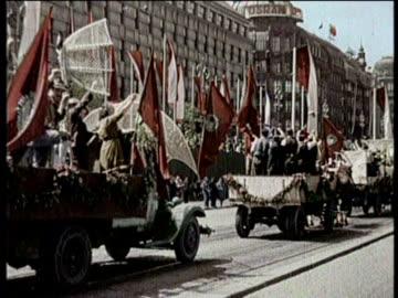 newsreel / no audio / world war 2 / greatest headlines of the century / hitler takes czechoslovakia / farmer putting hay in a farm's barn / nazi... - czech republic stock videos & royalty-free footage