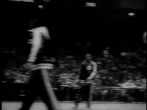 newsreel of harlem globetrotters / new york city usa / audio - harlem globetrotters stock videos & royalty-free footage