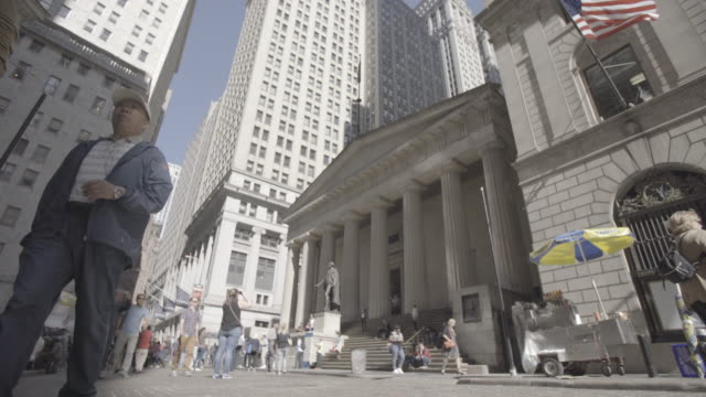 newyork_4k_manhatten_slider_wallstreet_people_open