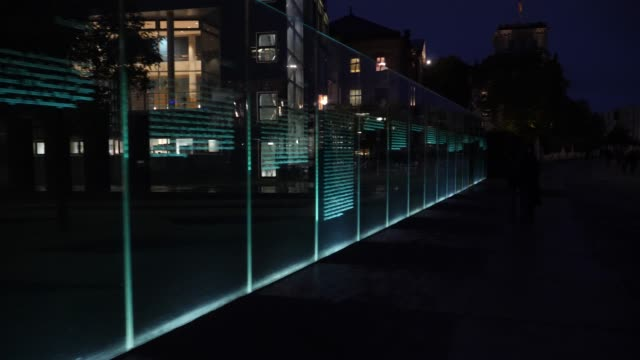 stockvideo's en b-roll-footage met next to the courtyard of the jakob-kaiser-haus are 19 approximately 3-meter-high glass panes of the israeli artist dani karavan installed with the... - artikel