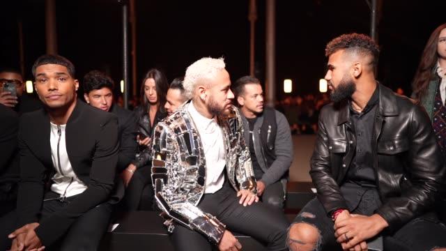 neymar attends the balmain menswear fall/winter 20202021 show as part of paris fashion week on january 17 2020 in paris france - neymar da silva stock-videos und b-roll-filmmaterial