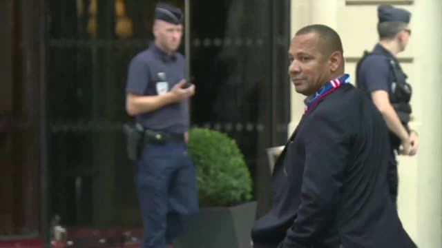 neymar santos senior father of the world's most expensive player neymar jr arrived at paris's royal monceau hotel on friday where his son will be... - neymar da silva stock-videos und b-roll-filmmaterial