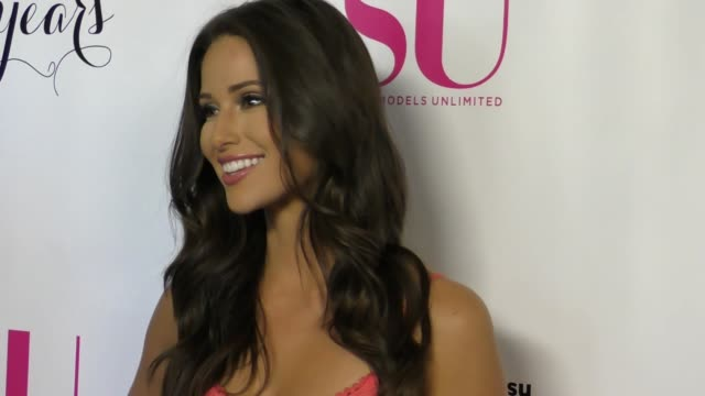 nia sanchez at the 17th anniversary celebration of su magazine at avalon on august 12, 2017 in hollywood, california. - nia sanchez stock videos & royalty-free footage
