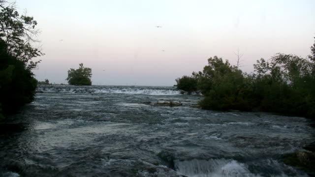 niagara 8-75: hd 1080/60i - fiume niagara video stock e b–roll