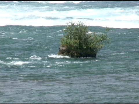 niagara upper rapids 16-ntsc mit ton - fluss niagara river stock-videos und b-roll-filmmaterial