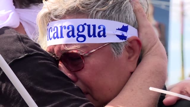 nicaragua retoma el lunes el dialogo entre el gobierno y la oposicion - luto stock videos and b-roll footage