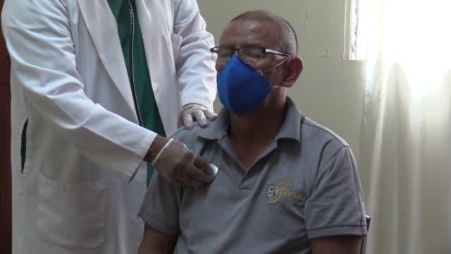 vídeos y material grabado en eventos de stock de nicaragua's medical associations are urging the population to immediately go into voluntary lockdown to stop the spread of the coronavirus, saying... - nicaragua