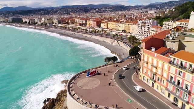 vídeos de stock e filmes b-roll de nice, aerial view of promenade des anglais - frança