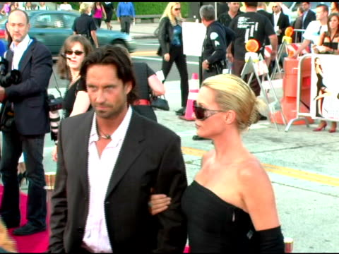 nicholas soderblom and nicollette sheridan at the 'mr and mrs smith' world premiere at the mann village theatre in westwood california on june 7 2005 - sheridan smith stock videos & royalty-free footage
