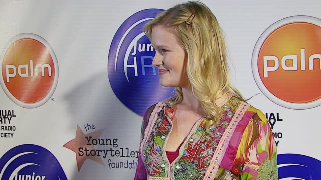 nicholle tom at the jhrts young hollywood holiday party at vanguard in hollywood, california on december 5, 2006. - ニコール トム点の映像素材/bロール