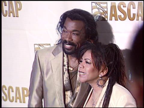 vidéos et rushes de nick ashford at the ascap pop music awards at the beverly hilton in beverly hills california on may 16 2005 - ascap