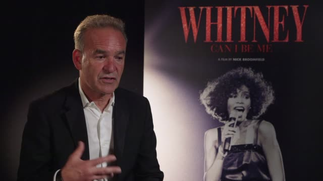 nick broomfield on getting to know whitney, the difference between onstage and backstage, natural born killers and the reason between making the... - 伝記点の映像素材/bロール